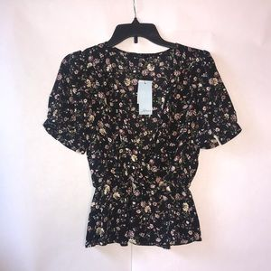 NWT Women's Soprano Floral Top Size Small